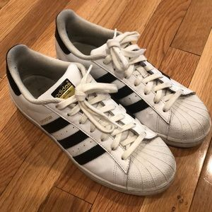 Women's 8 1/2 Adidas superstar